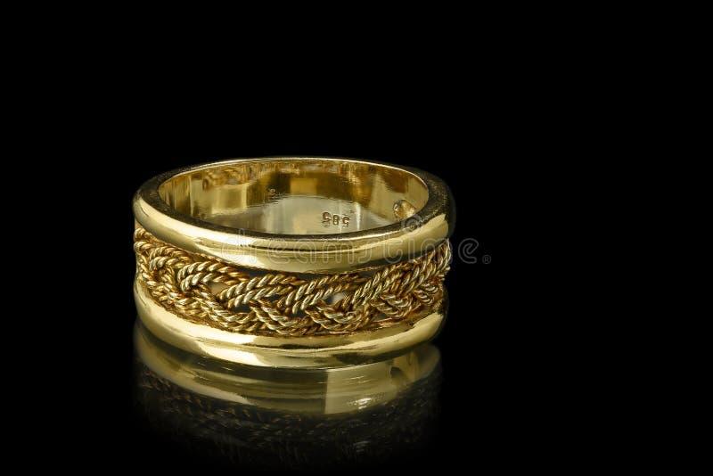 Кольцо золота стоковая фотография rf