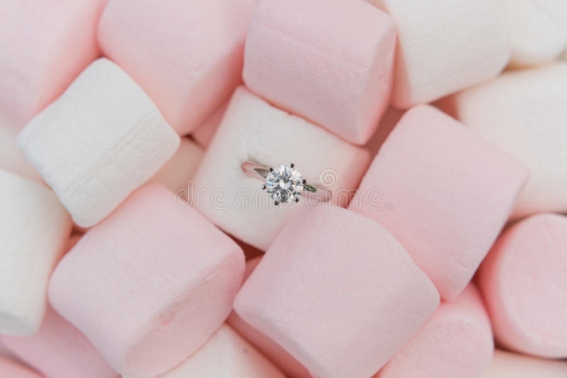 Кольцо диаманта стоковое фото