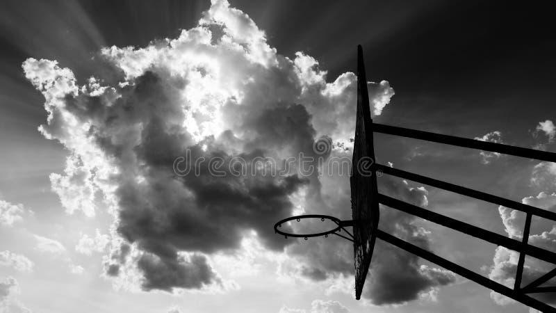 кольцо под небом стоковые фотографии rf