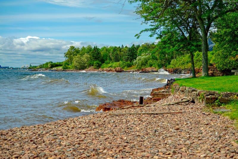 Край ` s воды на Lake Superior стоковые фотографии rf