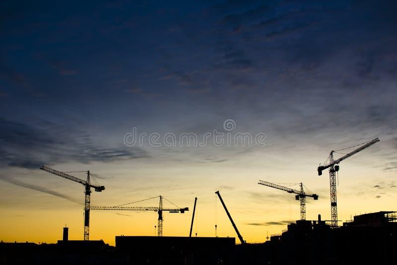 краны конструкции стоковое изображение rf