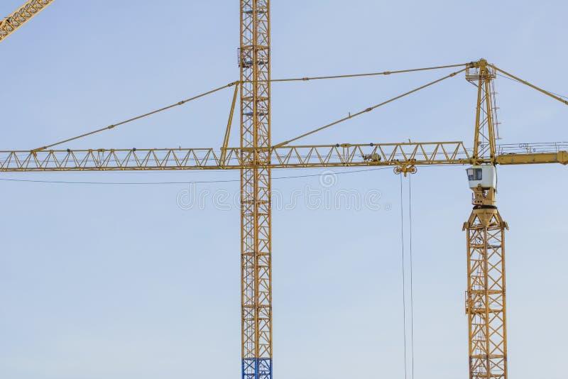 Кран башни на строительной площадке в Стокгольме Швеции стоковые изображения rf