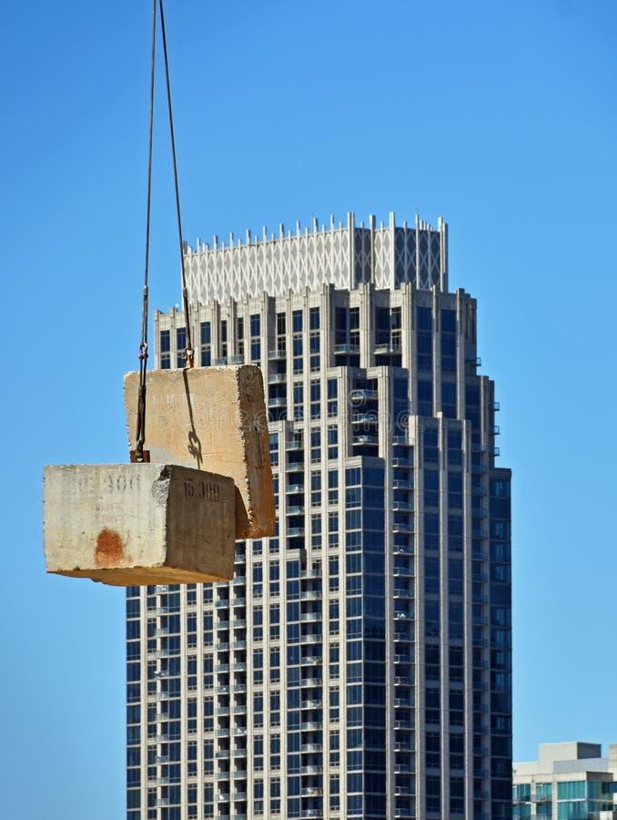 кран конструкции здания стоковые изображения rf