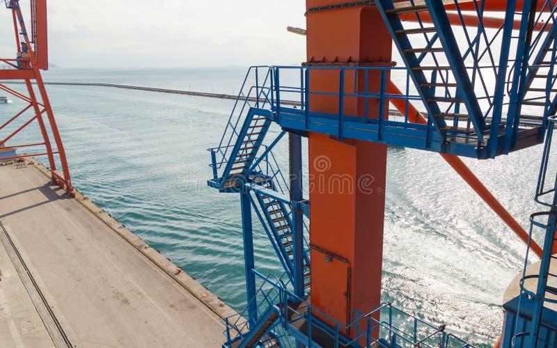 Кран морского порта стоковые изображения