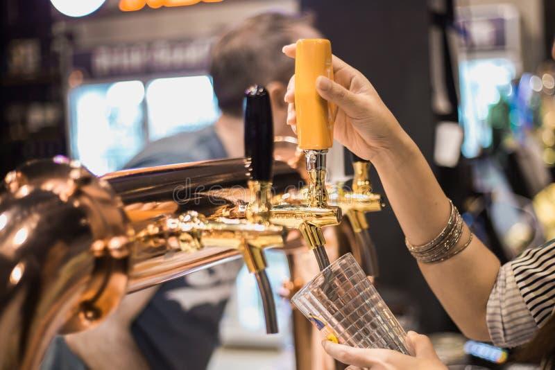 Кран пива стоковые изображения rf