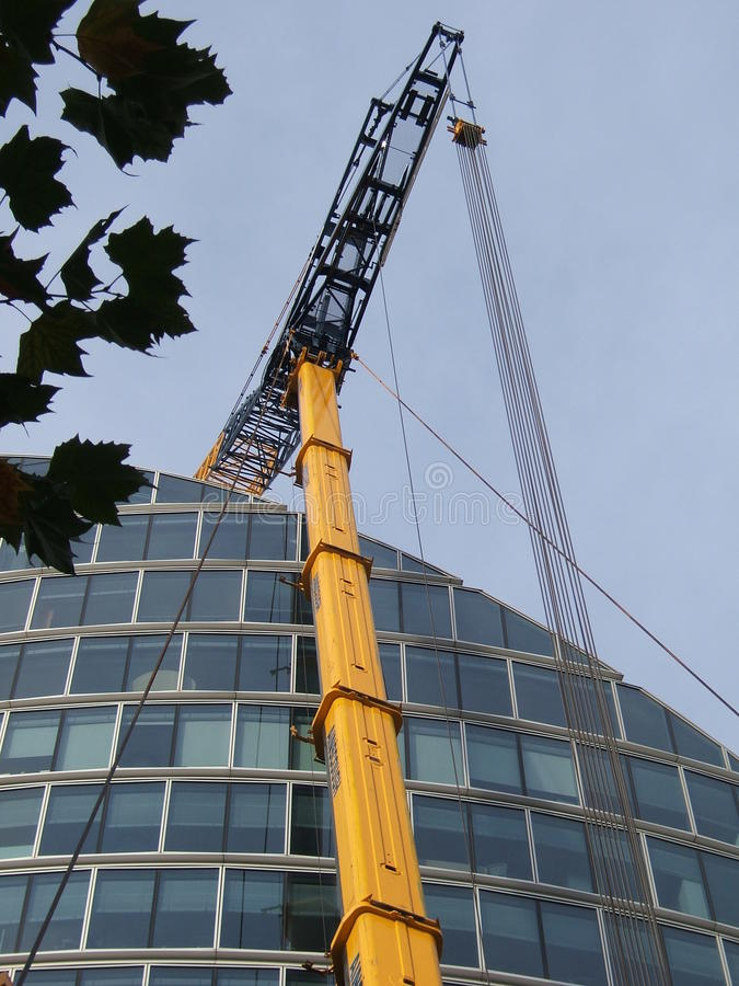 Кран построителей Лондона стоковое изображение rf