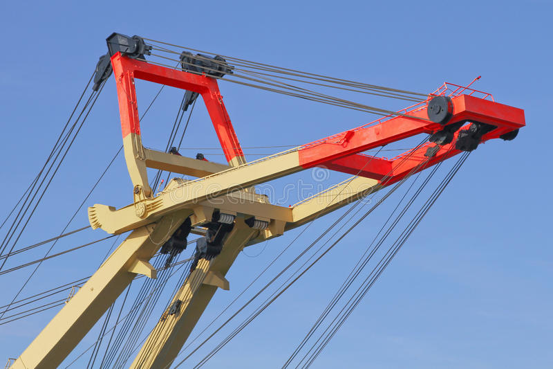 Download Кран спасения для кораблей стоковое изображение. изображение насчитывающей металл - 33733347