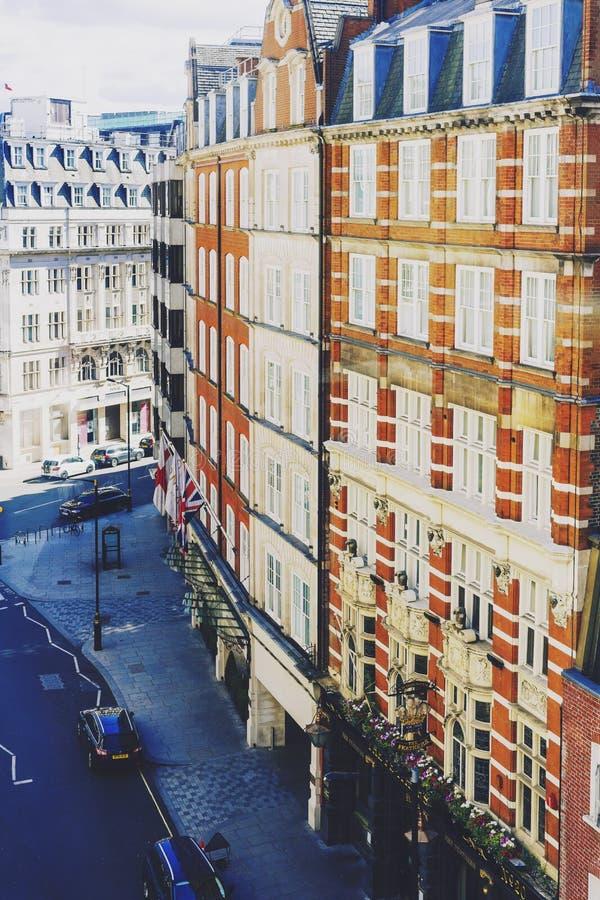 Красивая архитектура зданий в центре города Лондона стоковое фото