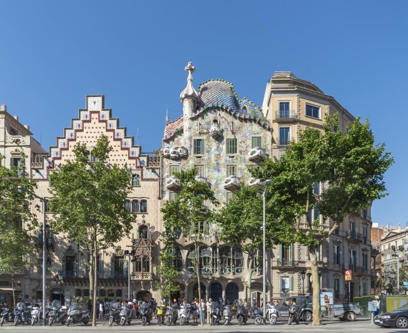 Красивая архитектура, старые здания в Барселоне Известный туристский центр в Европе r Перемещение в Испании стоковые изображения