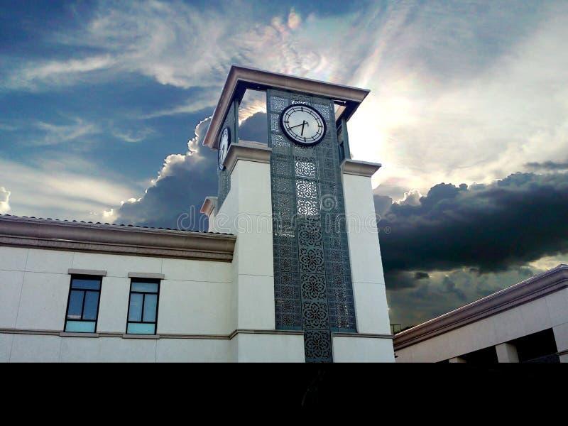 Красивая башня с часами стоковые фотографии rf