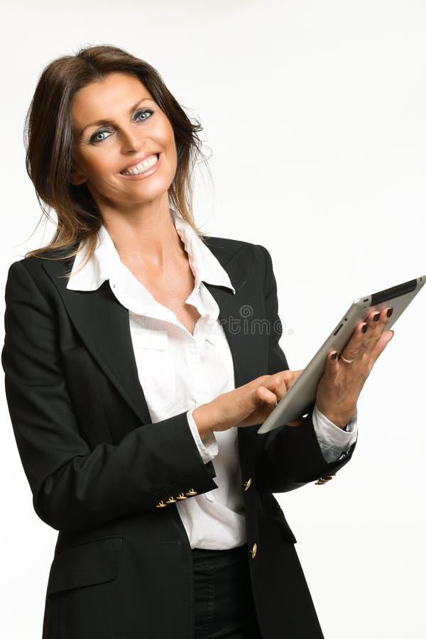 Красивая бизнес-леди с планшетом стоковые фотографии rf