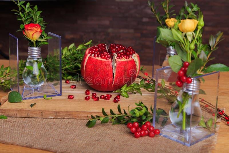 Красивая выставка цветков и светов стоковая фотография