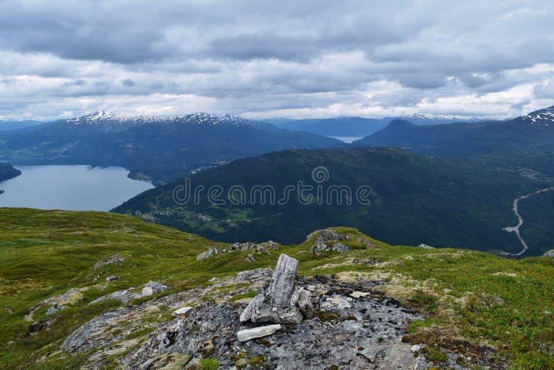 Красивая горная цепь, в Норвегии стоковое фото