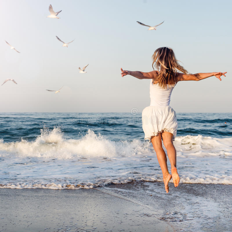 красивые картинки девушки на море