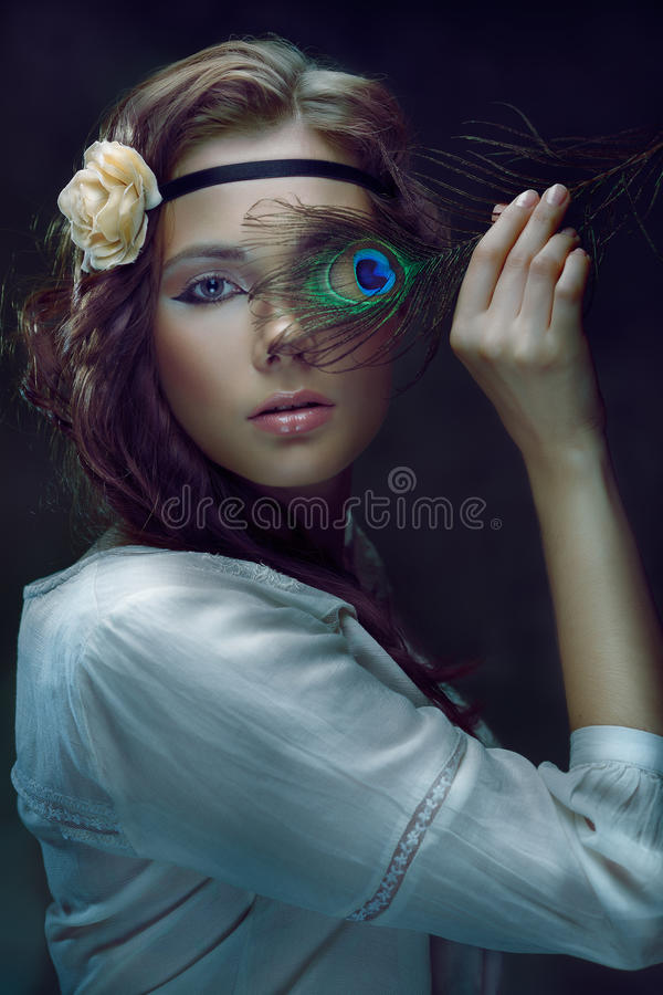 Красивая девушка стоковое изображение rf