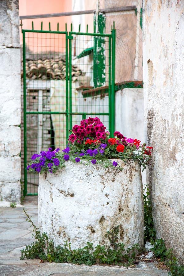 Красивая деревня на Корфу стоковые фото