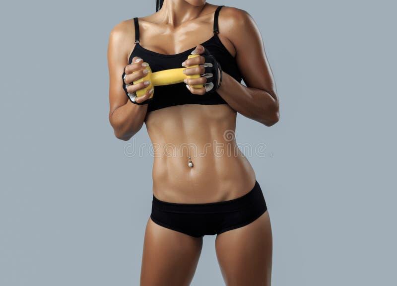 Красивая женская модель фитнеса стоковое фото rf