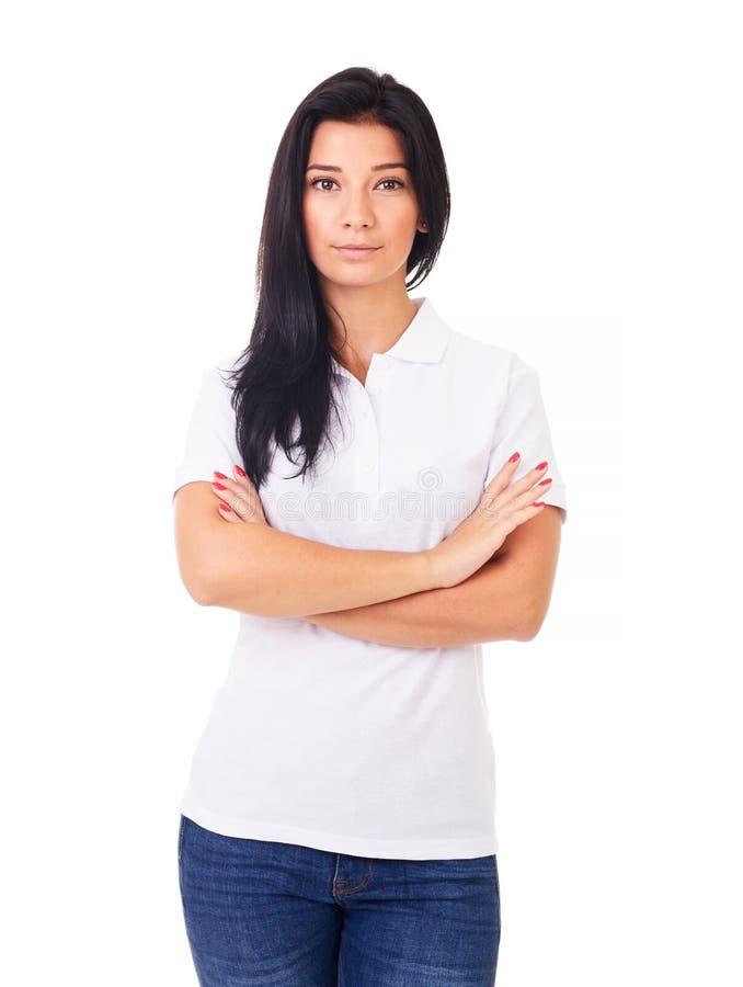 Красивая женщина в белой рубашке поло стоковая фотография