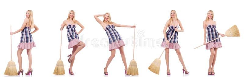 Красивая женщина в housecleaning концепции стоковая фотография rf