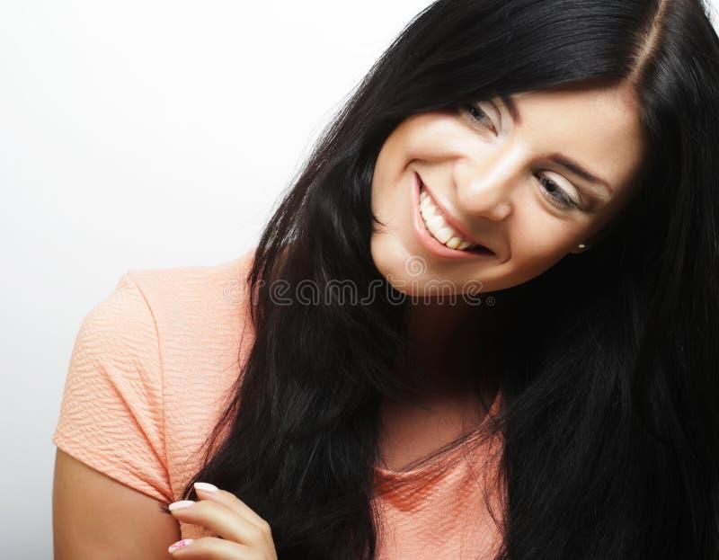 Красивая женщина с большой счастливой улыбкой стоковая фотография rf
