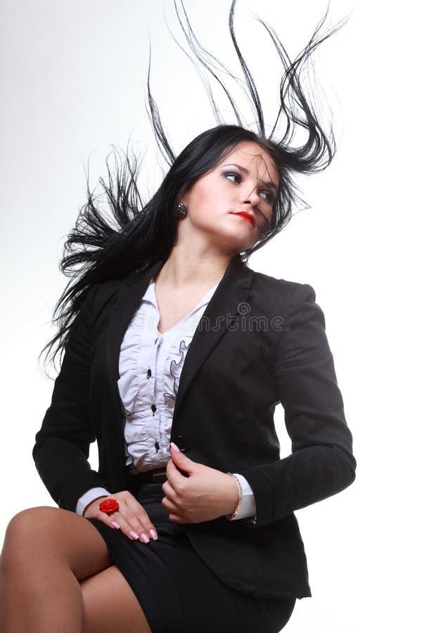 Download Красивая женщина с длинними волосами Стоковое Изображение - изображение насчитывающей довольно, смотреть: 33734625