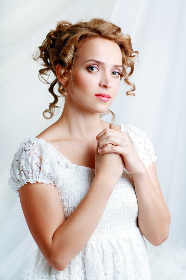 Красивая женщина стоковые фотографии rf