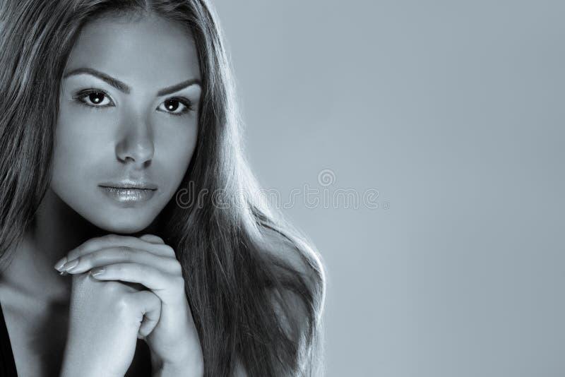 Красивая запомненная девушка стоковые изображения