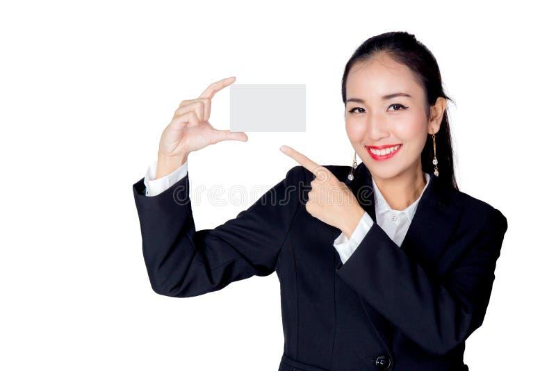 Красивая изолированная визитная карточка пробела владением женщины стоковое фото