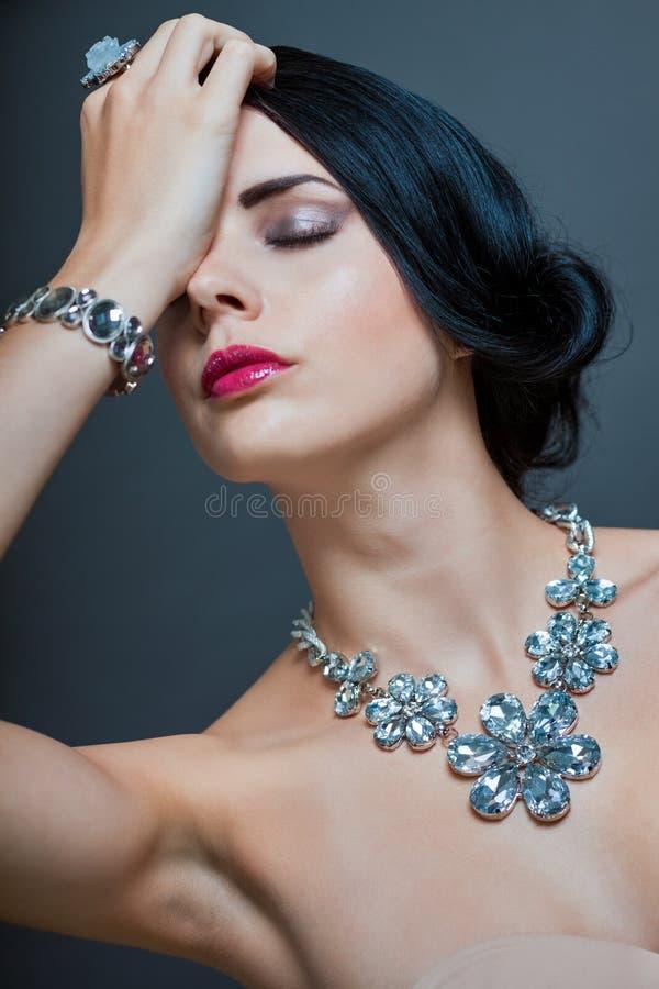 Красивая изощренная женщина стоковое фото rf