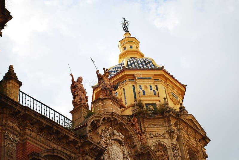 Красивая католическая церковь San Luis в Севилье, Испании стоковые изображения rf