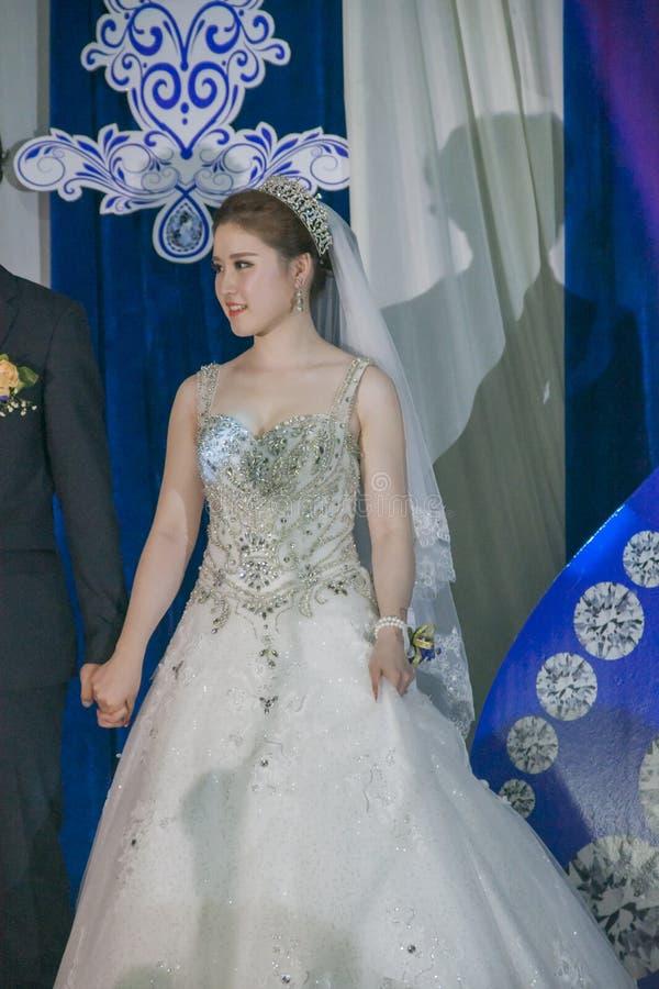 Красивая китайская невеста стоковые фото