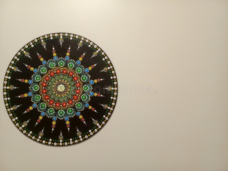 Красивая мандала на стене стоковое изображение rf