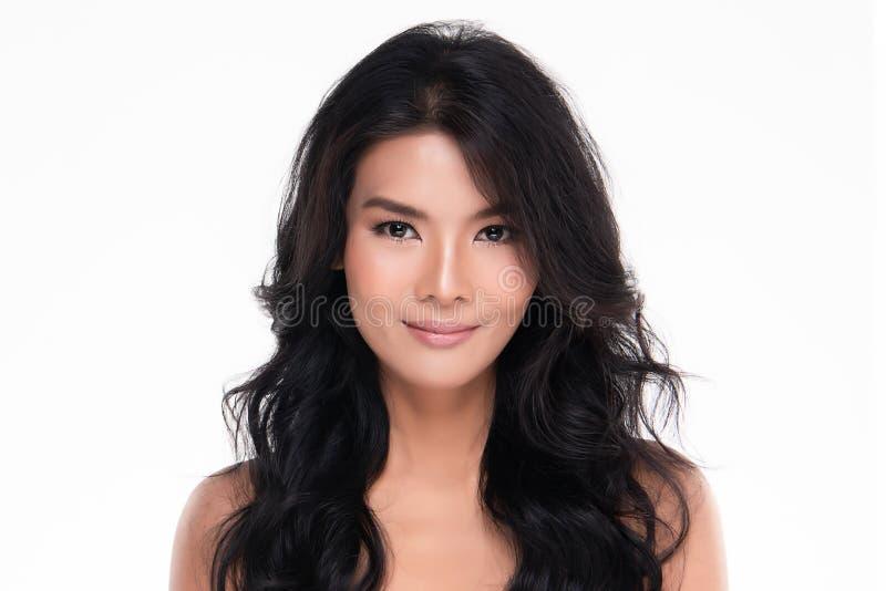 Красивая молодая азиатская женщина с чистой свежей кожей стоковая фотография rf