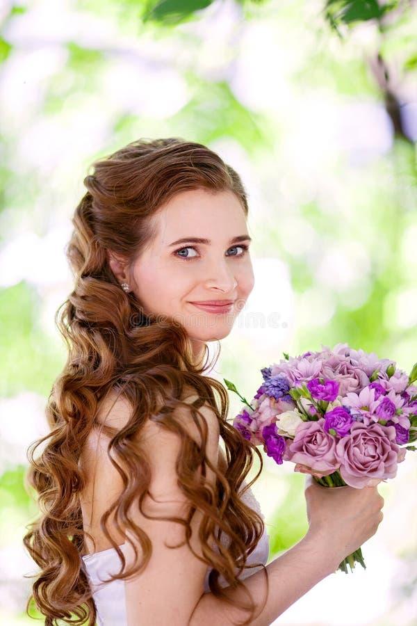 Красивая невеста стоковые изображения rf