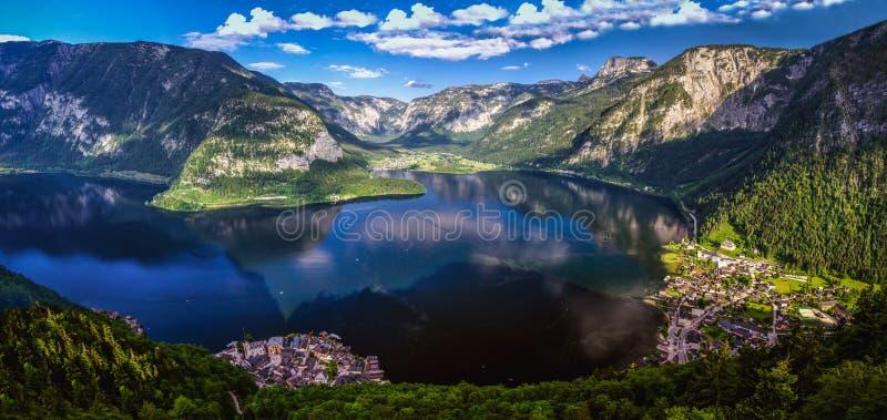 Красивая панорама Hallstätter видит или озеро Hallstatt стоковая фотография rf