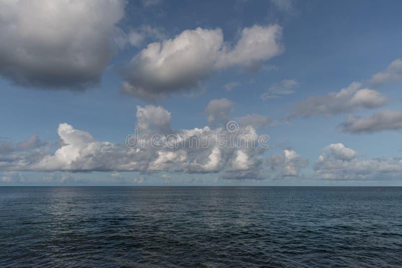 Красивая перспектива Тихого океана на Оаху стоковая фотография