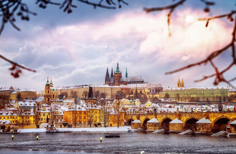 Красивая Прага в зиме стоковое изображение