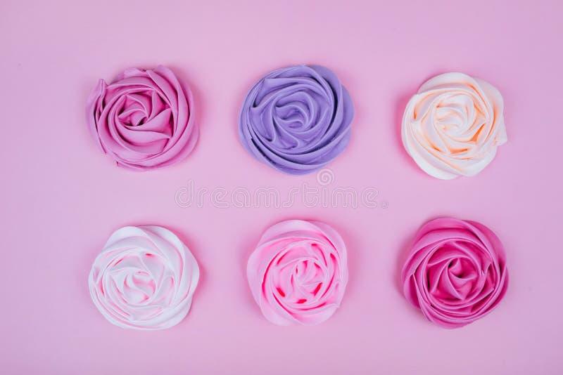 Красивая розовая меренга стоковое фото