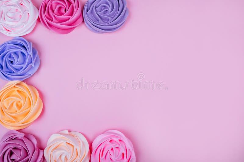 Красивая розовая меренга стоковые изображения