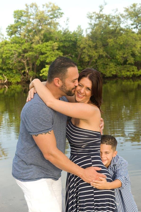 Красивая семья outdoors стоковые изображения rf