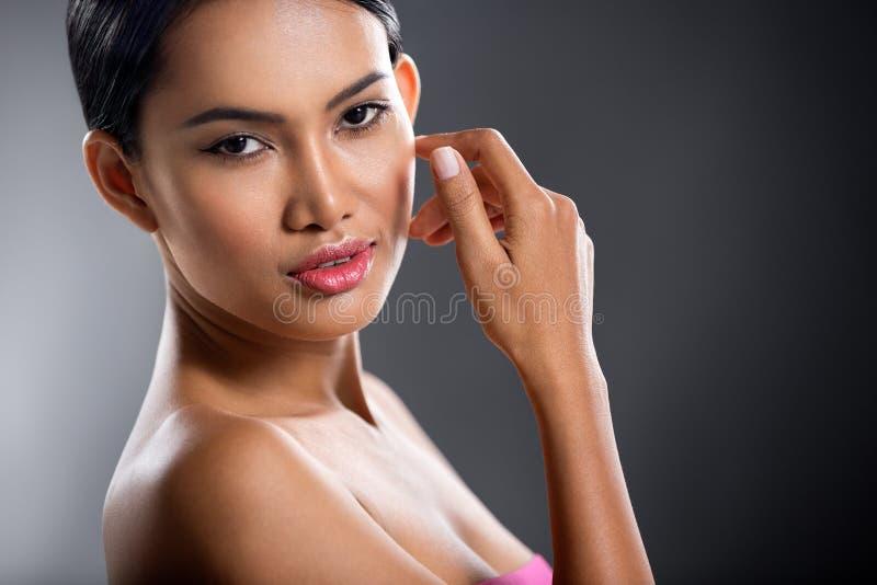 Красивая сторона девушки стоковая фотография