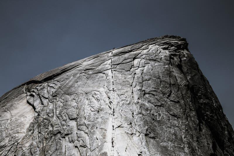Красивая съемка утеса с крутой текстурой стоковое изображение