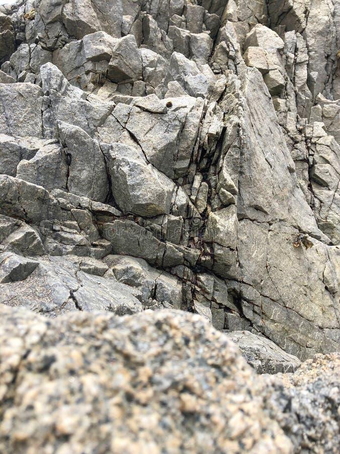 Красивая текстура скалы утесов небольшой стоковое изображение