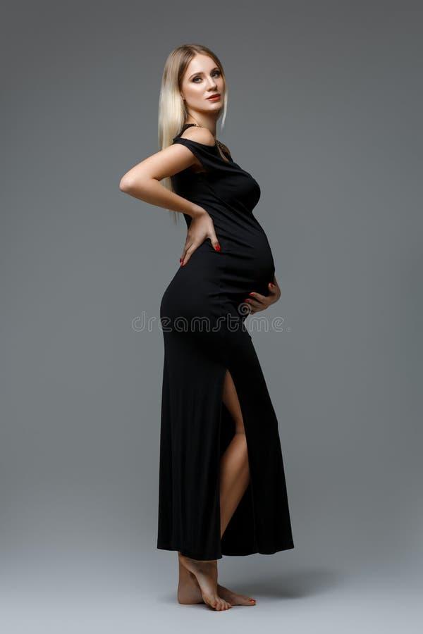 красивейшая беременная женщина стоковое фото