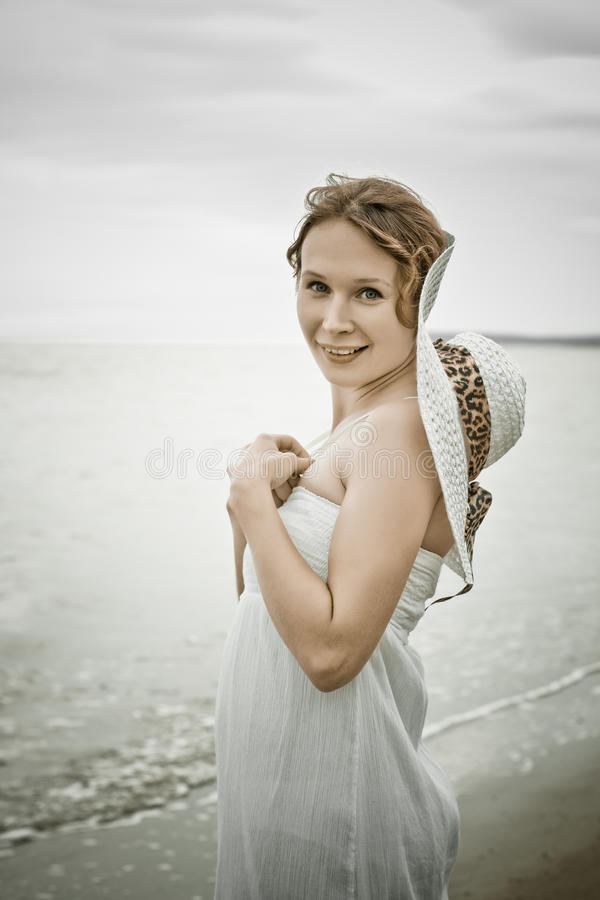 Красивейшая девушка в ретро типе стоковое фото rf