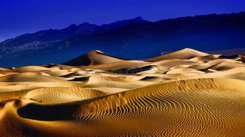красивейшая долина песка образований дюны смерти стоковая фотография