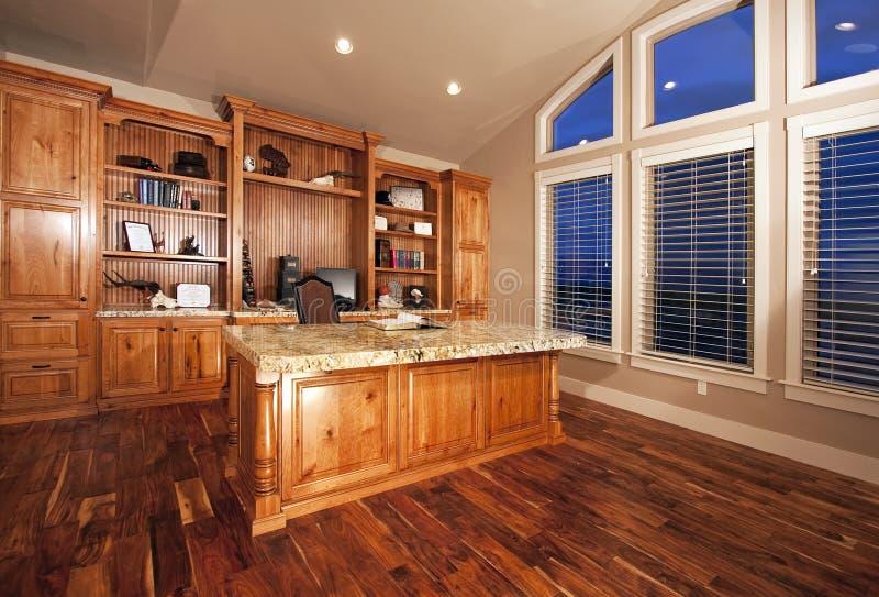 красивейшая древесина домашнего офиса полов стоковая фотография rf