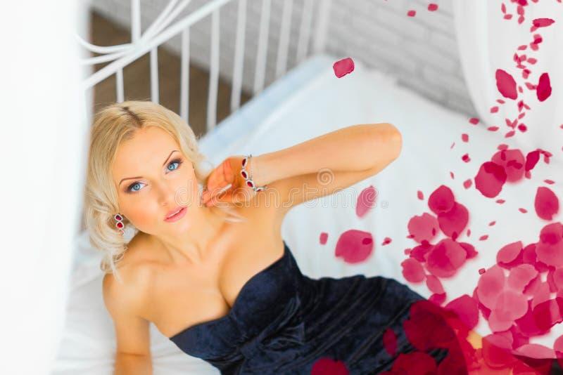 красивейшая женская модель стоковое фото