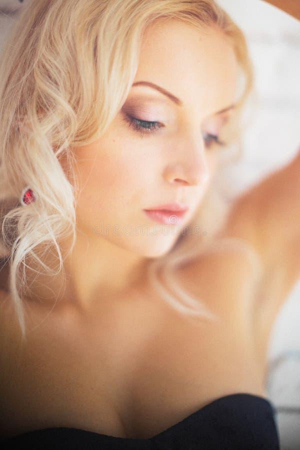 красивейшая женская модель стоковое фото rf