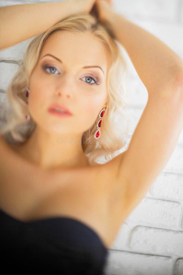 красивейшая женская модель стоковое изображение